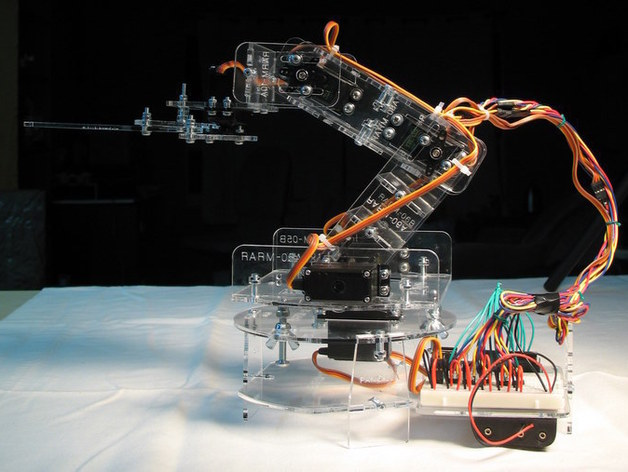 Open source robotic arm by oomlout thingiverse