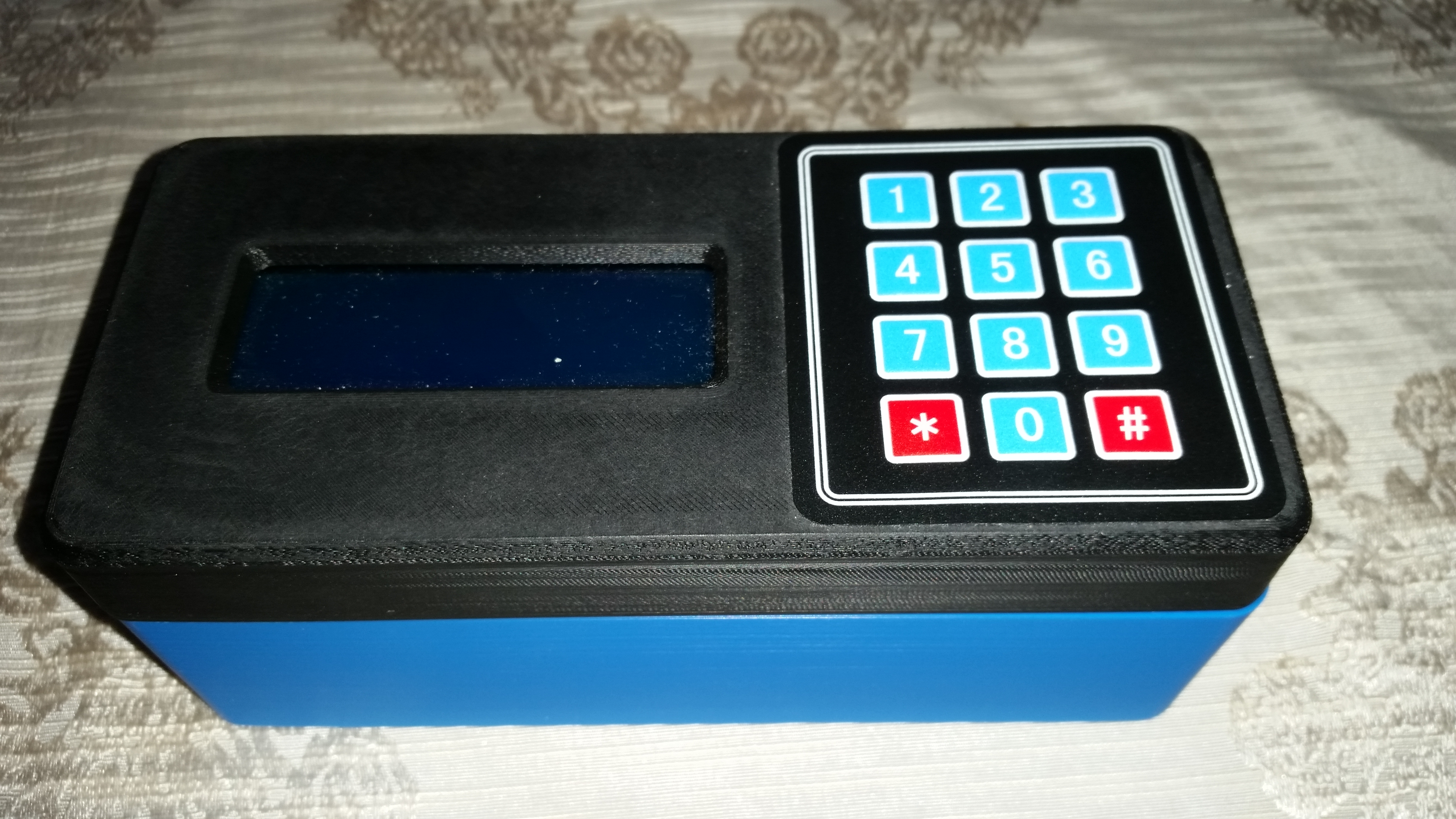 Arduino Prototype case with LCD display and 3x4 keypad by
