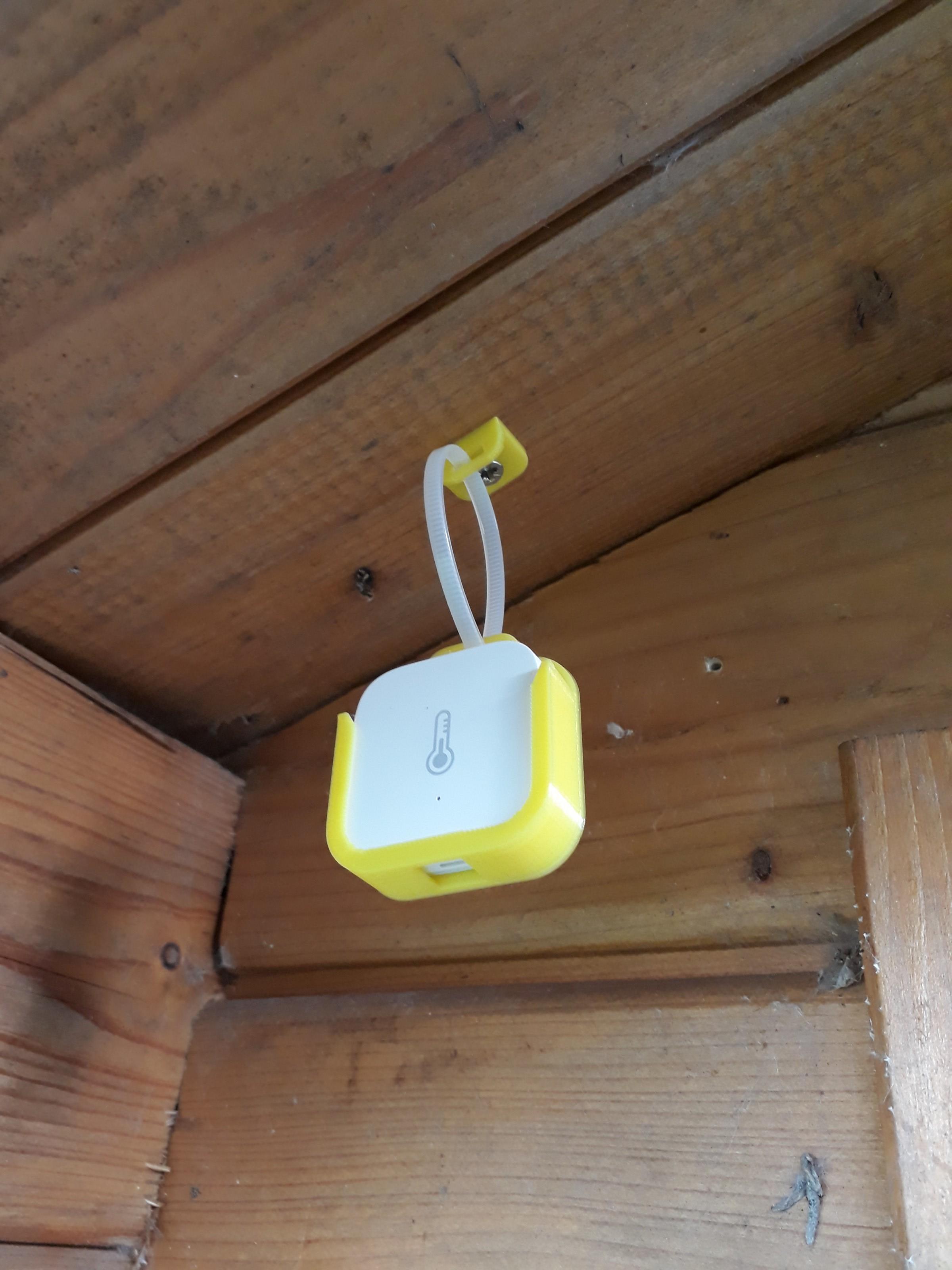 Xiaomi Aqara temperature sensor holder case hang by J6B
