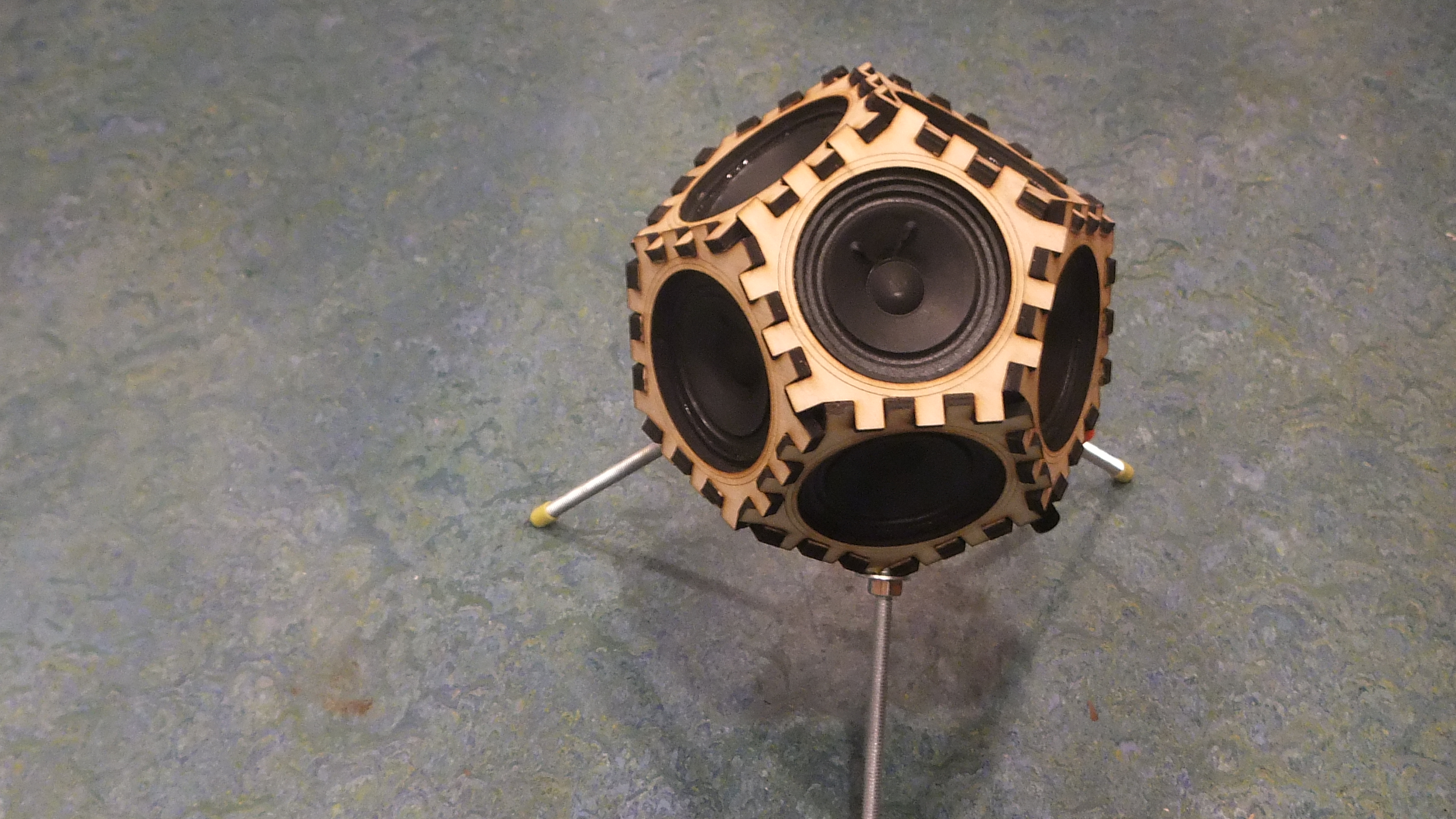 Sputnik 17 Dodecahedron loudspeakers by Wootfish Thingiverse