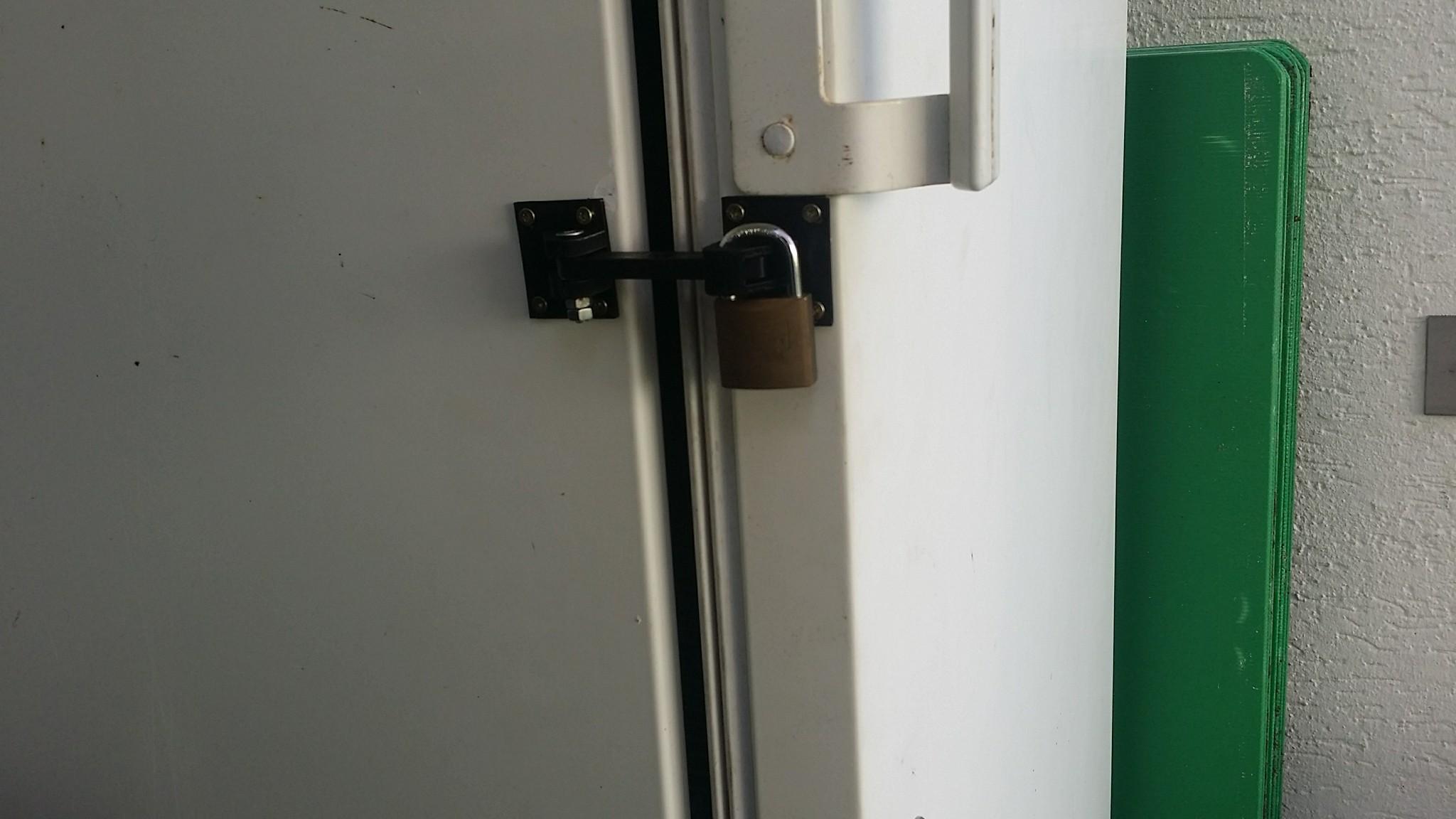 Kühlschrank Verriegeln Set : Kühlschrank verriegelung by madcre8 thingiverse