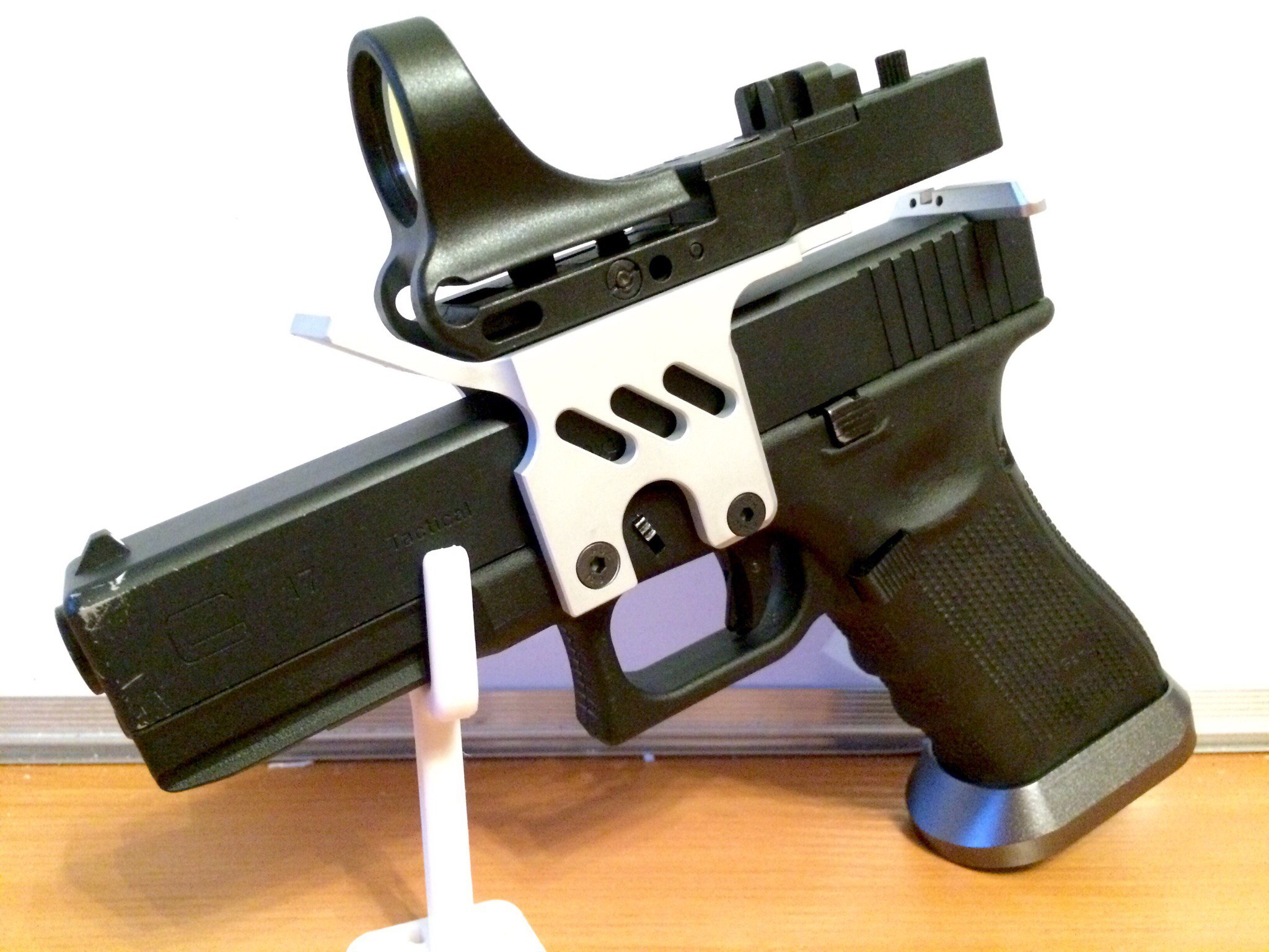 Glock Pistol Stand by KGeorge - Thingiverse