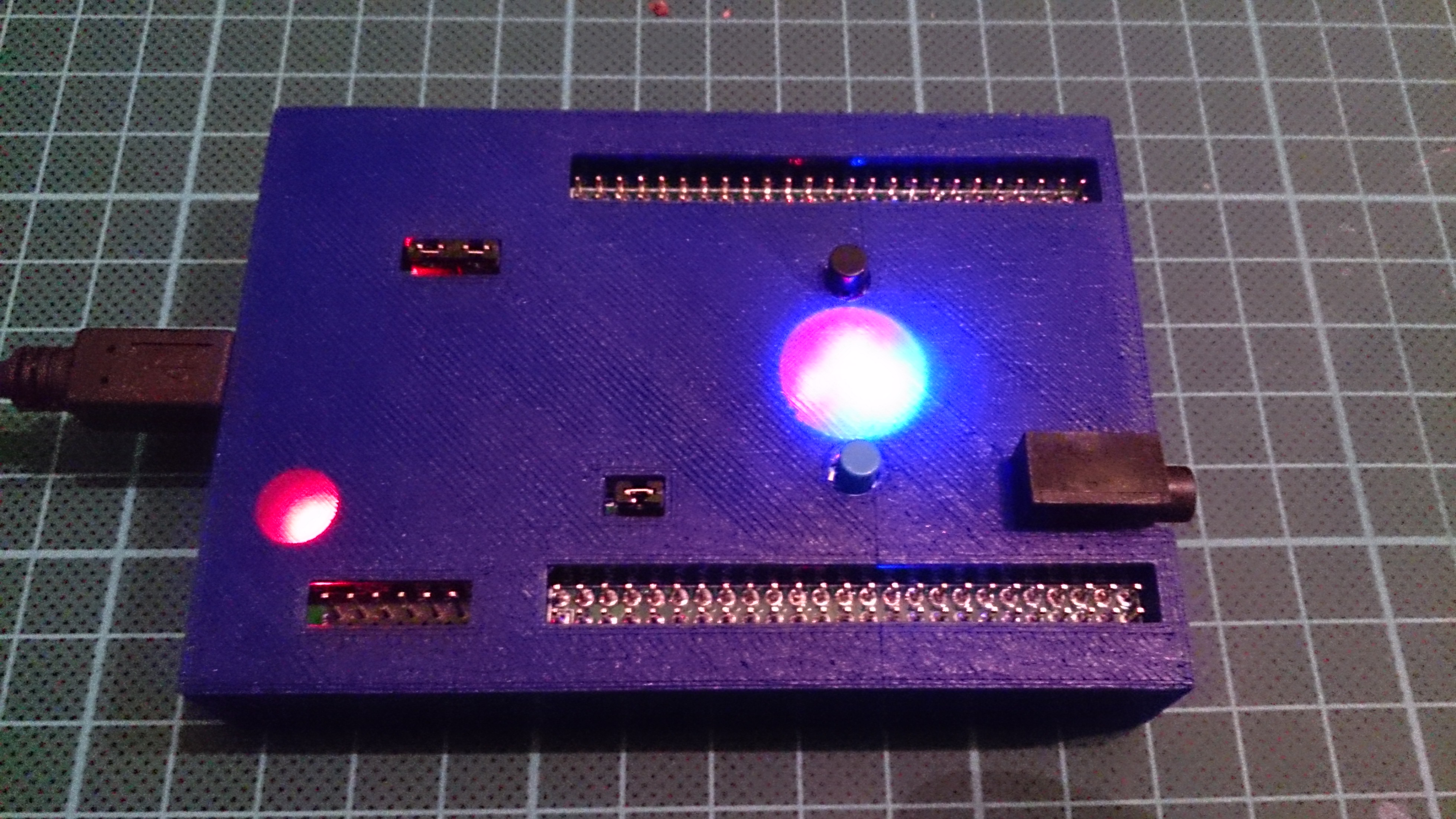 Case for STM32F4-Discovery Board by swendler - Thingiverse