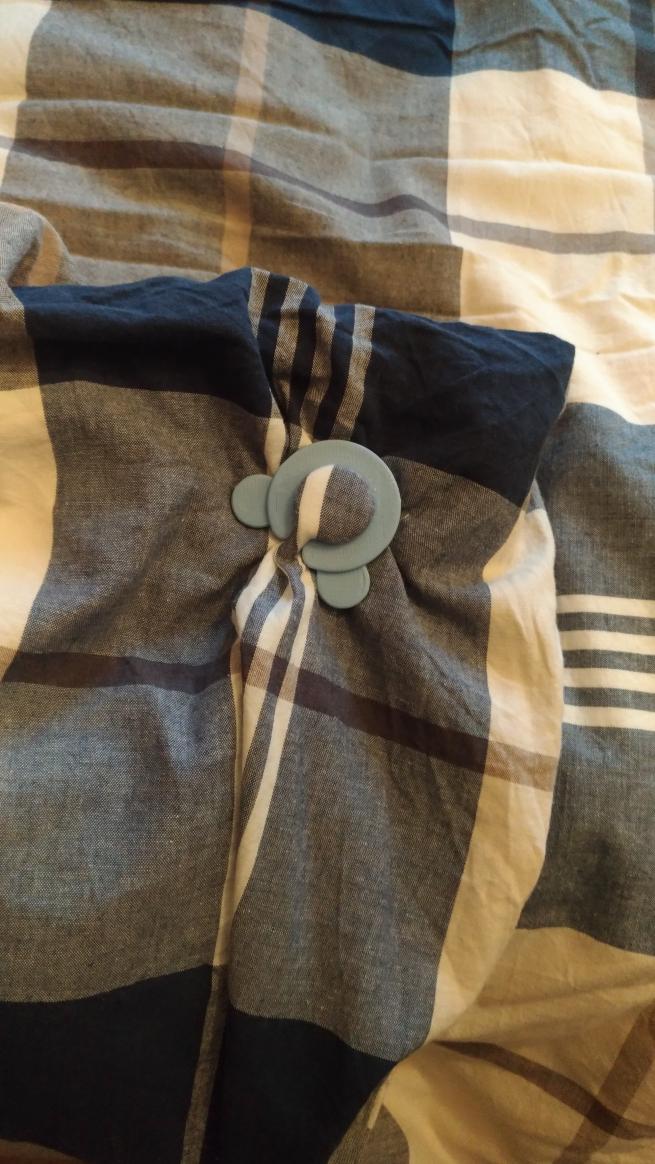 Clips Per Fissare Il Copripiumino.Duvet Cover Bed Sheets Clip By Geegio Thingiverse