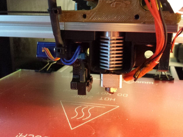 Z Probe Servo Mount for MakerFarm Prusa i3v for Auto Bed Leveling (HXT900)
